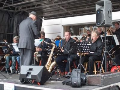 15.00 Koncert med Thirsty Night Big Band